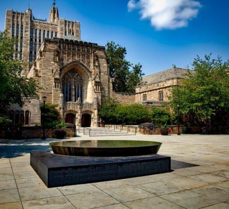 Yale Üniversitesi Hukuk Fakültesi